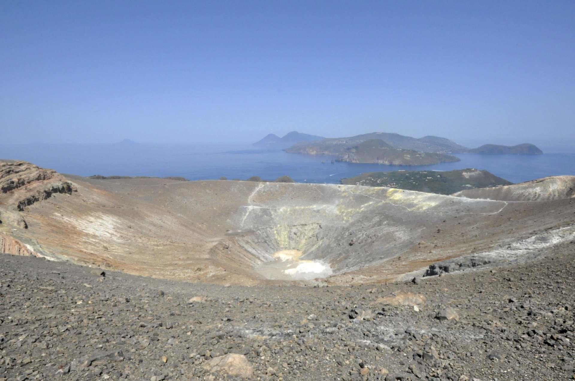 The caldera of vulcano